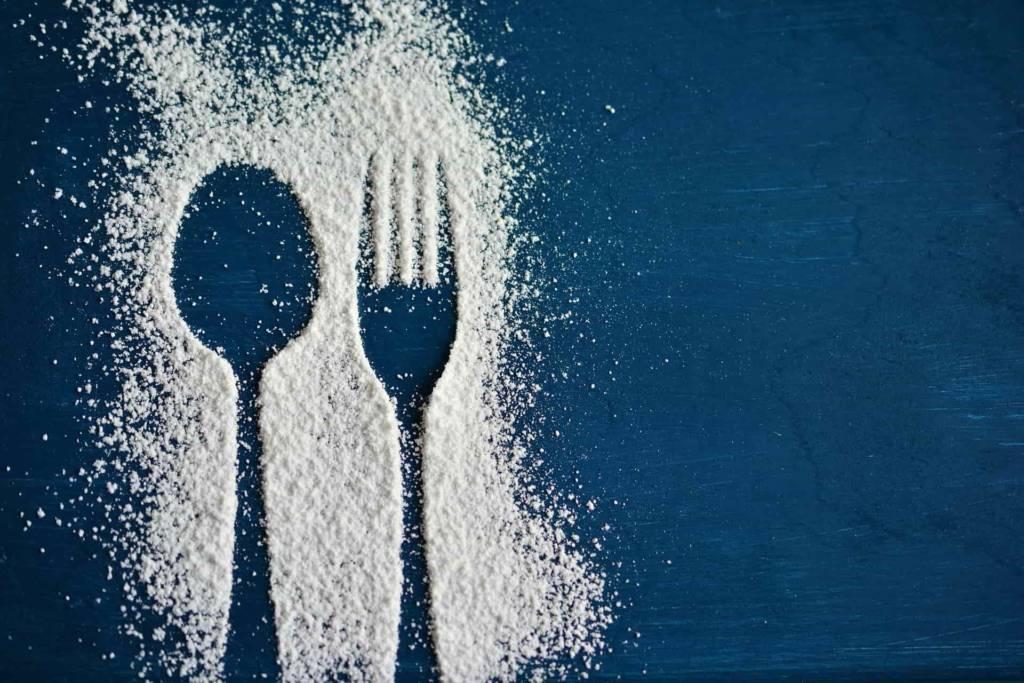 kontur z cukru, sztućce